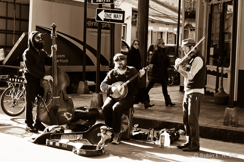 Busking, Busker, Street Music, Dub FX, Music Reviews, Music Blog, Magazine,