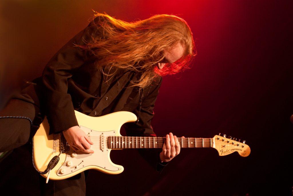 Elmo Karjalainen, Album Review, Music Reviews, Music Blog,