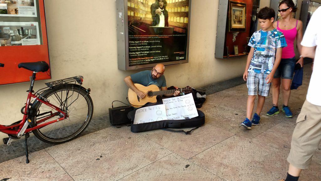 Vitantonio Mastrangelo, Street Performer, Street Musician, Buskers, Busking in Salzburg, Busking in Austria, Street Music,