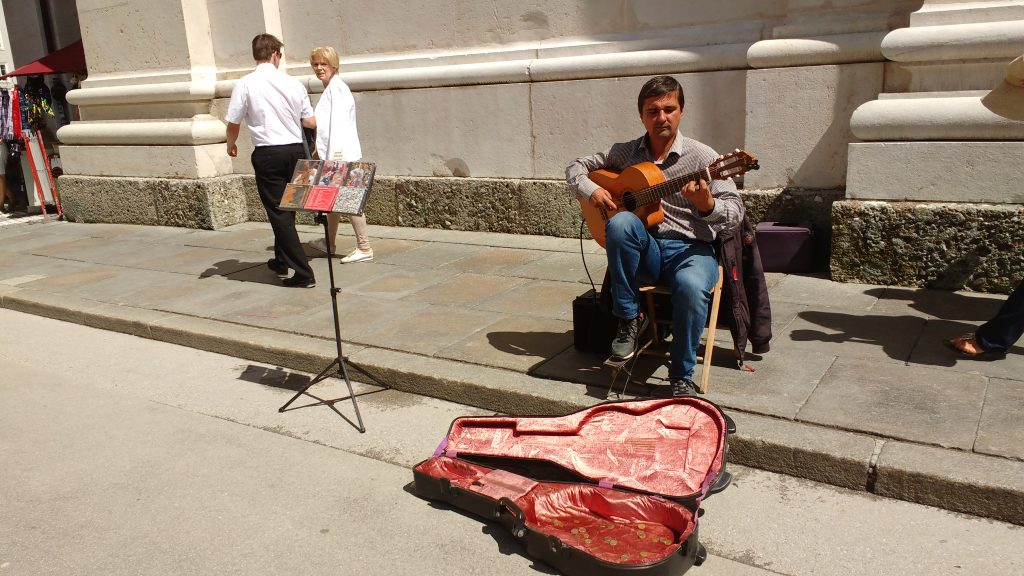 Street Performer, Busker, Busking Salzburg, Busking in Austria, Busking in Europe, Music Blog, Music Reviews,