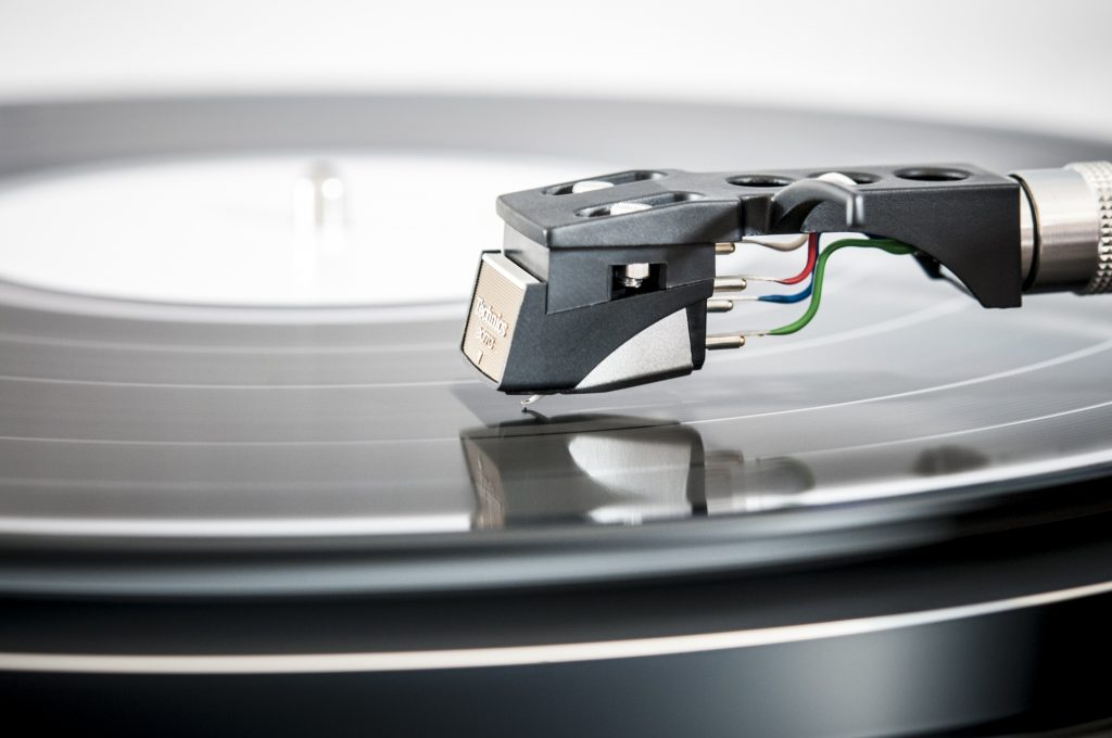 Vinyl Production, Guide, How To, Vinyl Outsold Digital Downloads, Music Reviews, Independent Music, Music Promotion,