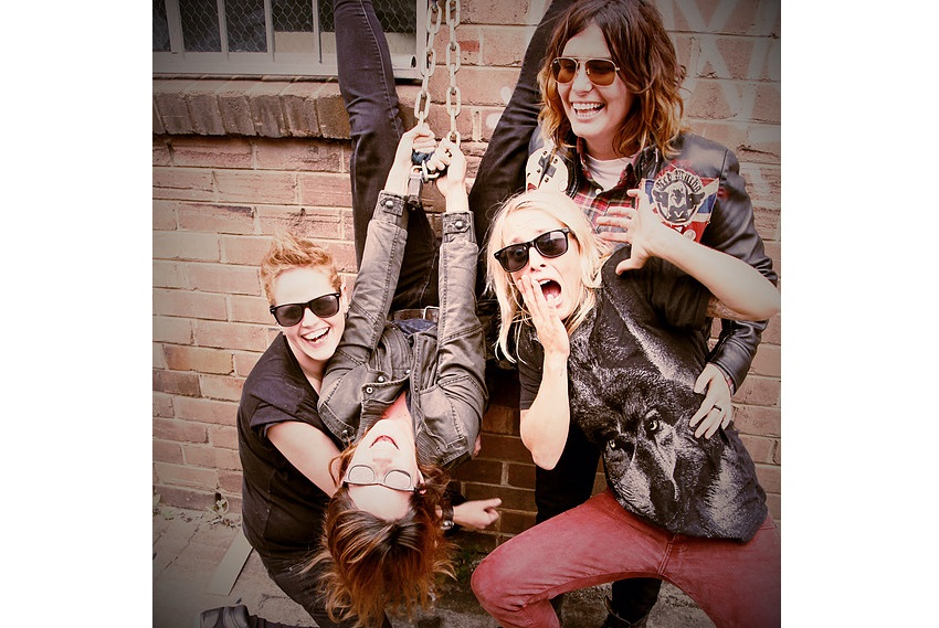 BANDINTEXAS, Hey Daisy, Sydney Band, Music Reviews, Indie Review, Single Review, Unsigned Band, Girl Band, Punk Rock, Independent Music Blog,