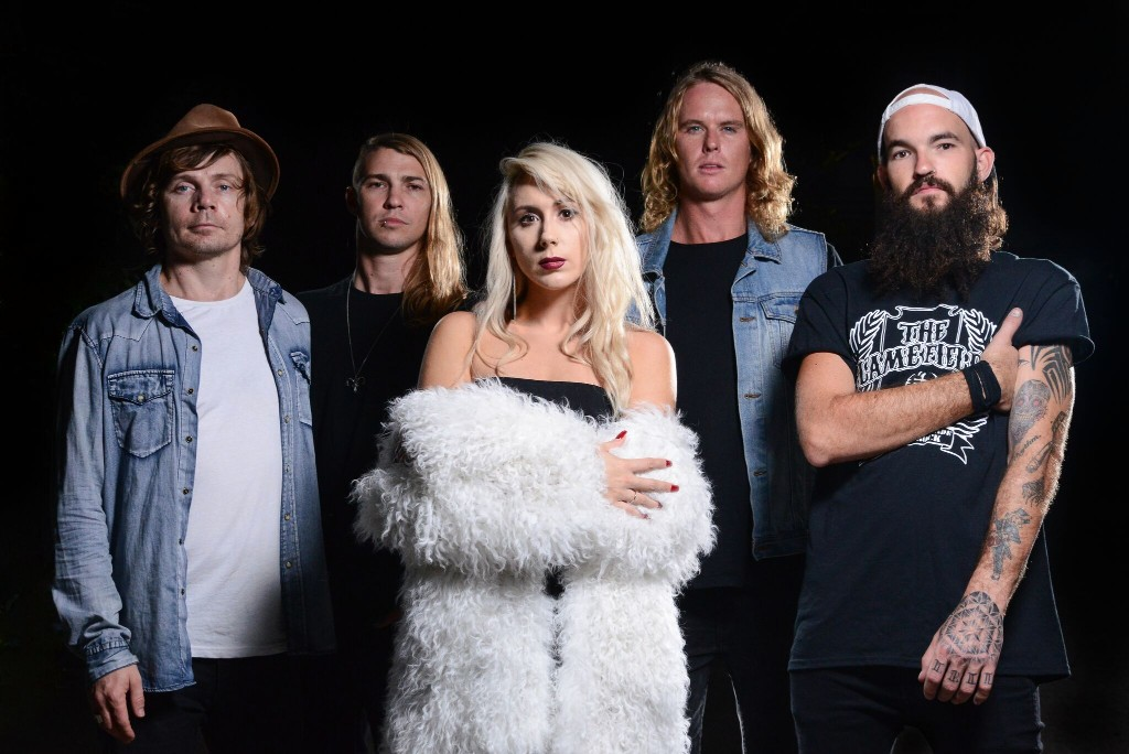 Smoking Martha, In Deep, Album Review, Indie Band, Rock Band, Brisbane Band, Independent Music Blog, Alternative Music Blog, Music Promotion, Submit Your Music, Unsigned Bands,