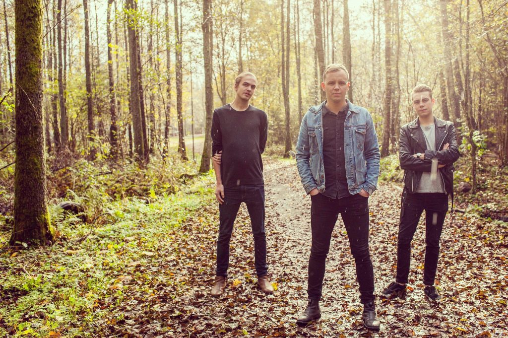 Rewind, Now You Know, Swedish Pop Band, Review, Alternative Music Press, Indie Rock, UK Music Scene, Unsigned Bands, Blog Features, Interview, Exclusive, Folk Rock Blog, Indie Rock, Interview, Guitarist,